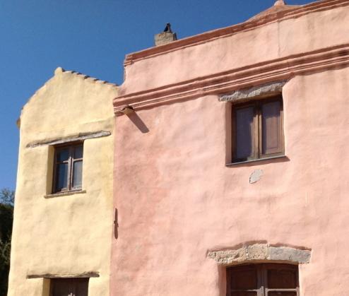 Tratalias, il paese fantasma pieno di sorprese